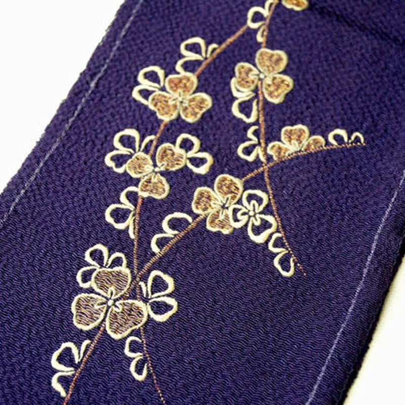 【半衿】アンティーク 紫色 鬼シボ縮緬地 クローバー 刺繍