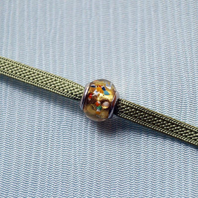 【帯留】ヴェネチアングラス帯留 金にマルチカラー×薄緑色二分紐