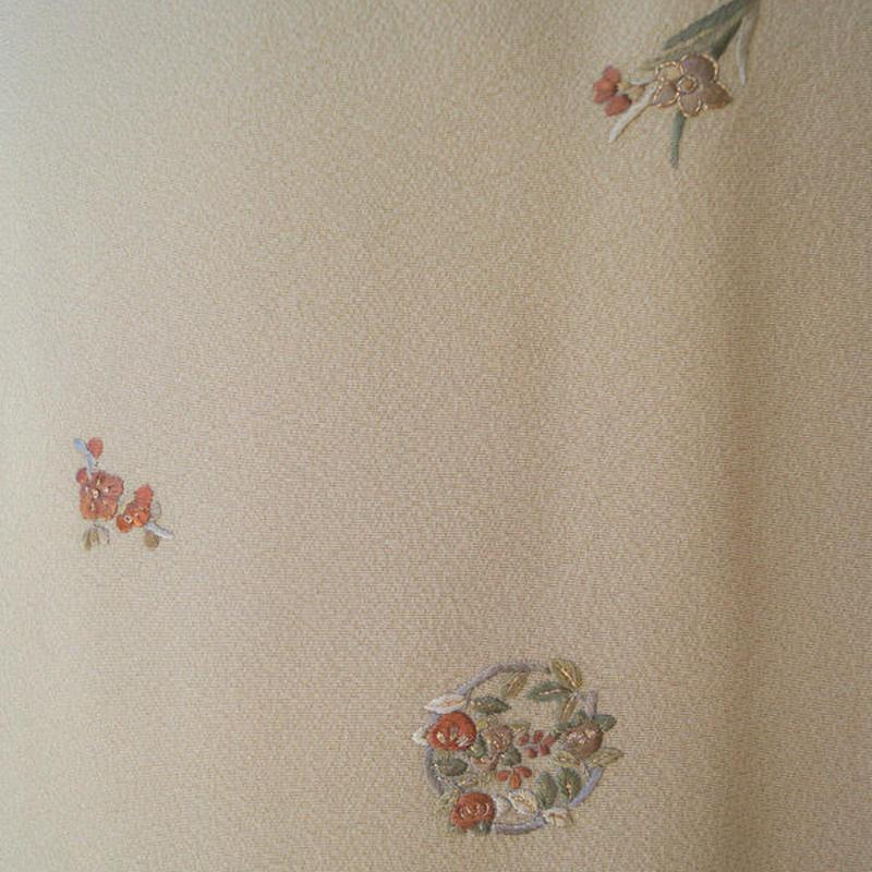 【袷】飴色地 蘇州刺繍の小紋