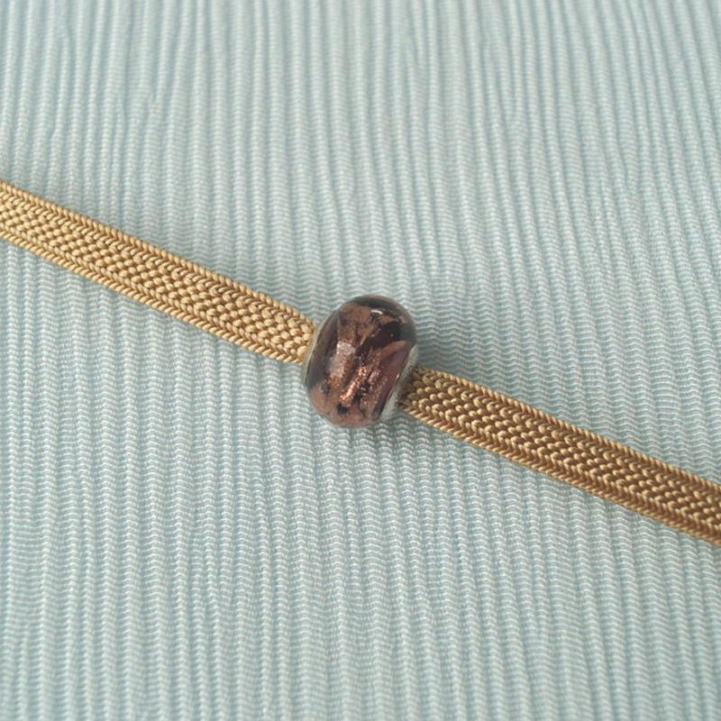 【帯留】ヴェネチアングラス帯留 ボルドーブラウンに金色×飴色二分紐