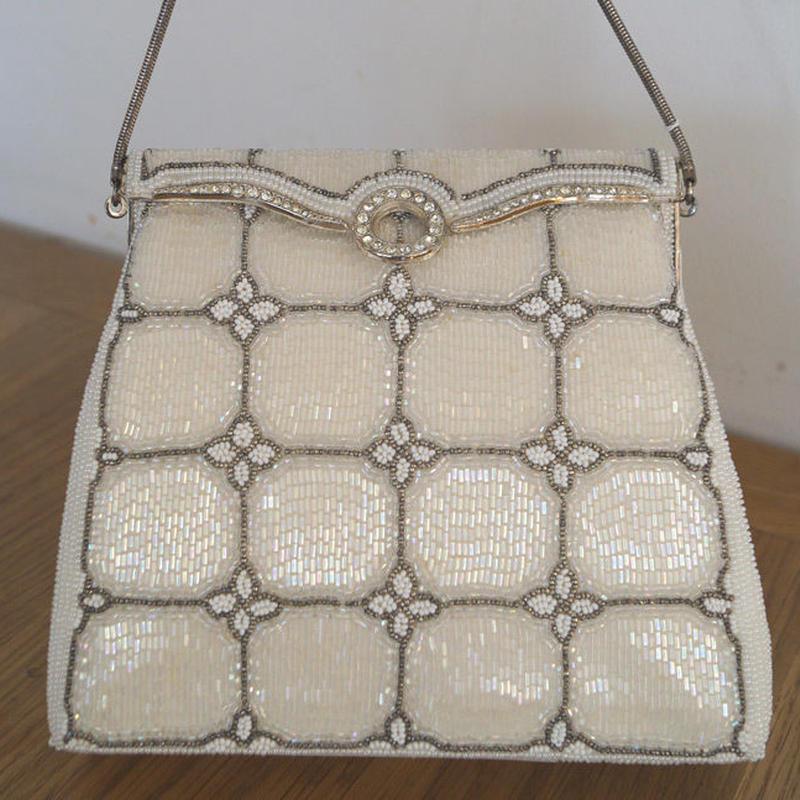 【バッグ】ホワイトとシルバー 小さなお花のビーズバッグ