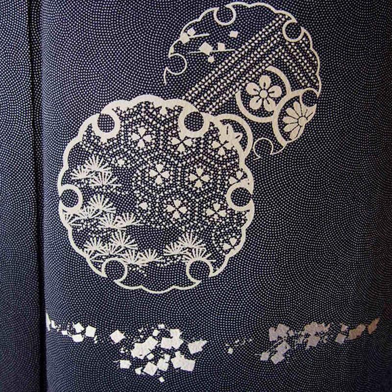 【袷】黒地暈し鮫江戸小紋に雪輪柄附下