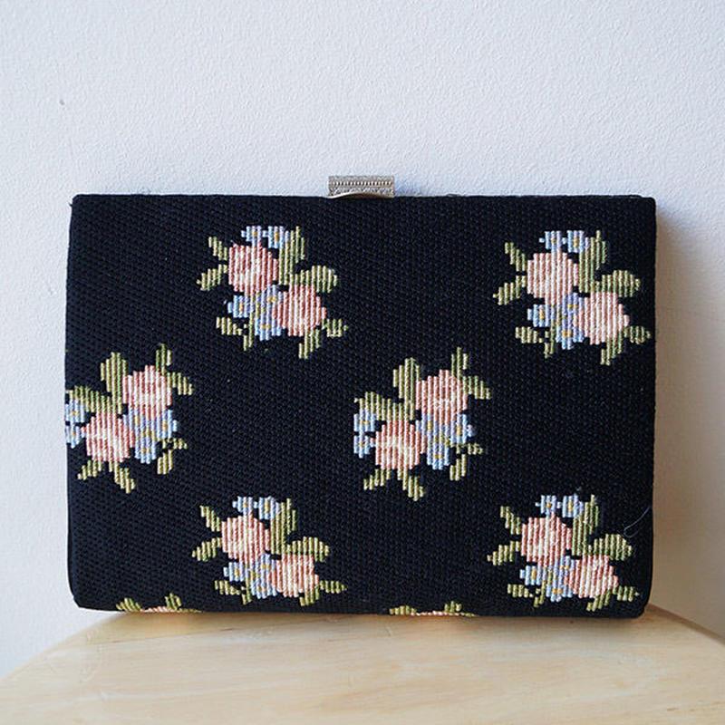 【バッグ】越前屋、黒地にバラの刺繍織りミニバッグ
