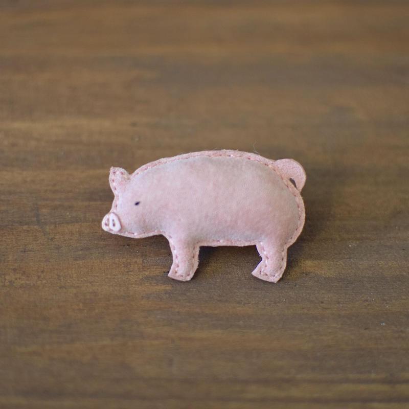 ブローチ 豚
