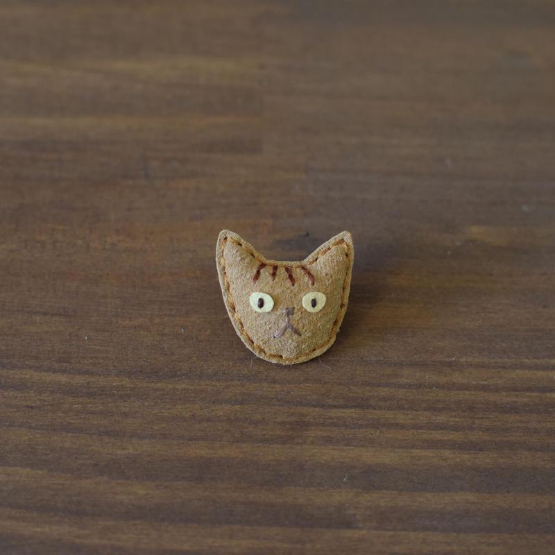 猫ブローチ トラ猫 顔