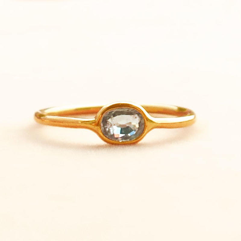 Touch you  { Ring }  sapphire green. K18