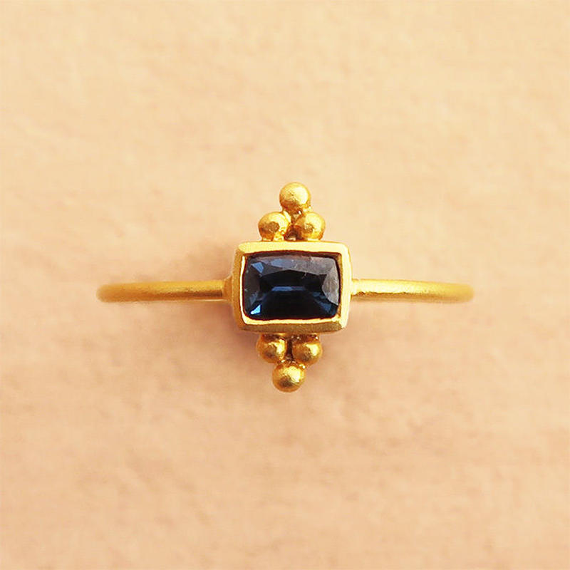 Cosmic Vibes / Square  { Ring }  sapphire. K18