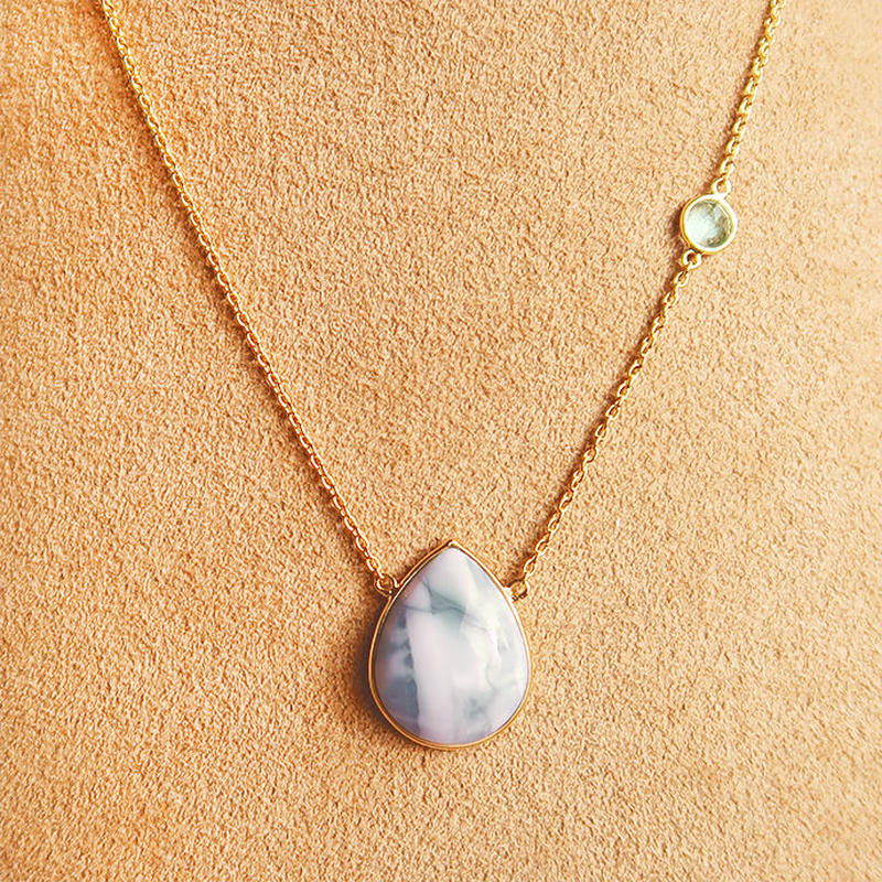 Lucky each other  { Necklace } Blue lace