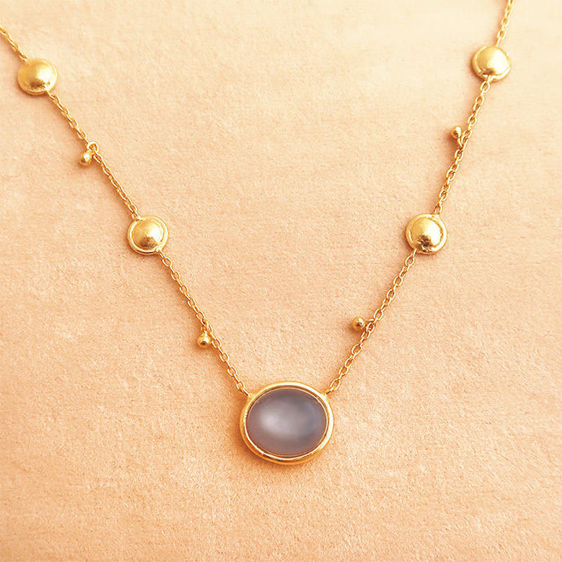 Shinti Plate  { Necklace } gray moonstone