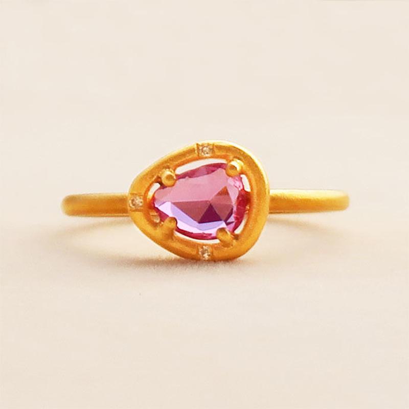 Soul Spring Ring  { Ring }  pink sapphire.  K18