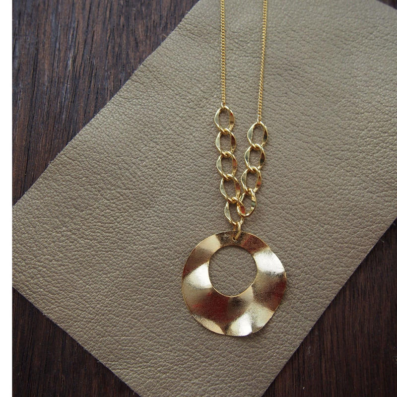 Ravissant necklace