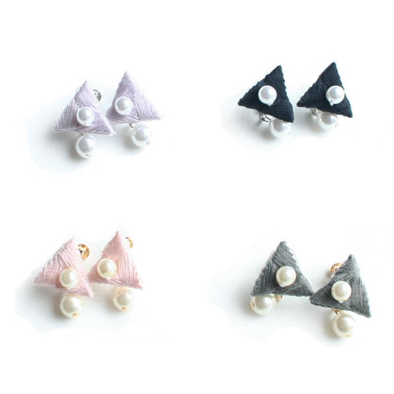 CRYSTAL TRIANGLE EARRING (single colour)