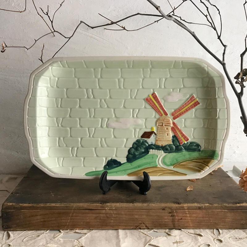 1970s日本製丘の上のパスタ皿〈小さな欠けあり〉
