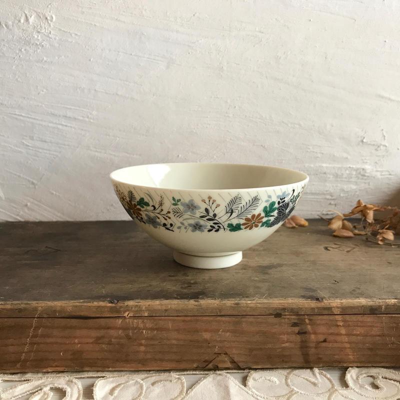 sone china/絵本のようなお茶碗
