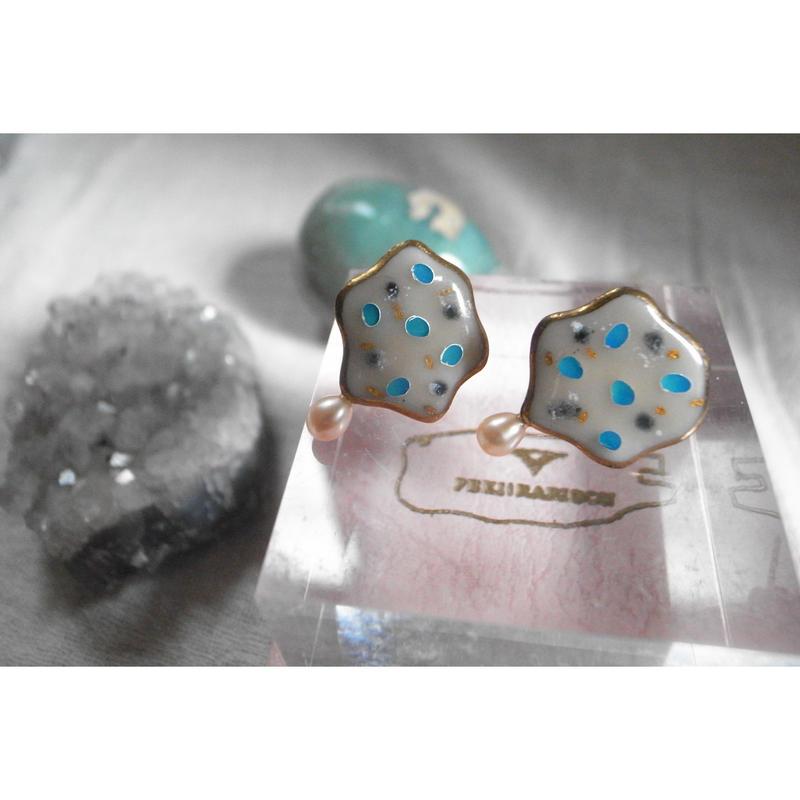 【7peaus earrings】[PEKI!RARIGON]