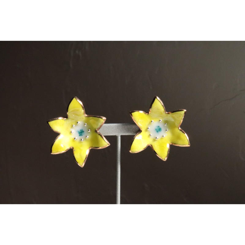 Flower earrings  (Gerbera yellow)