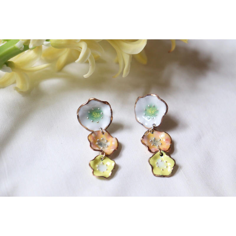 3 flower earrings  (white,orange,yellow)