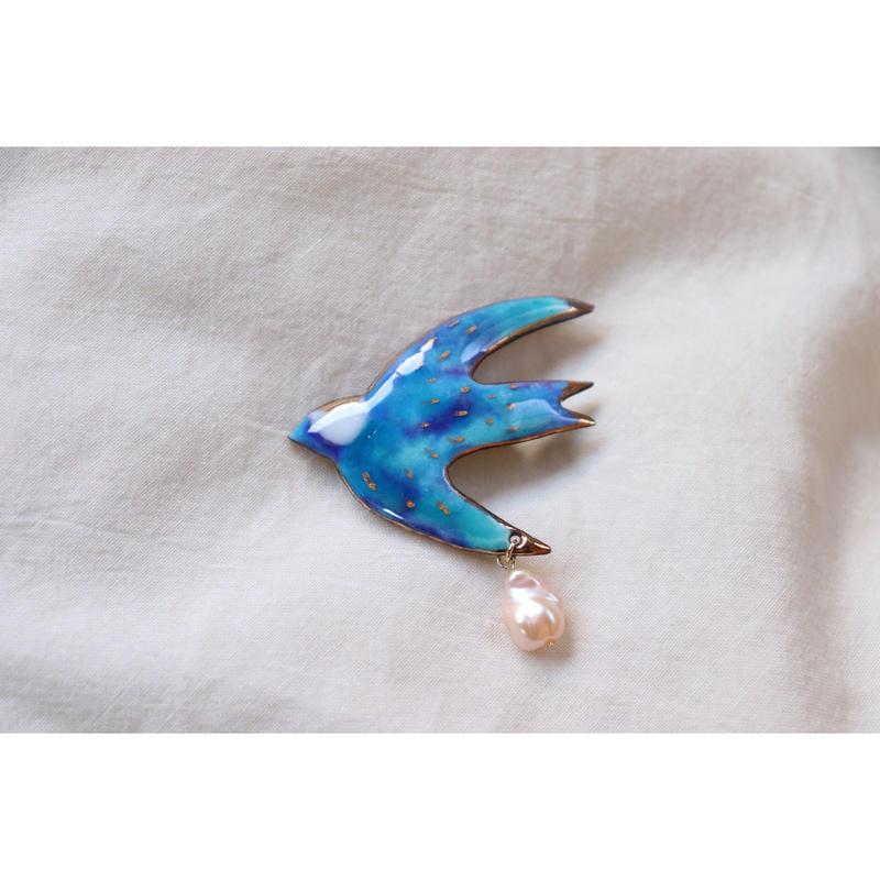 ツバメのブローチ (ocean blue)
