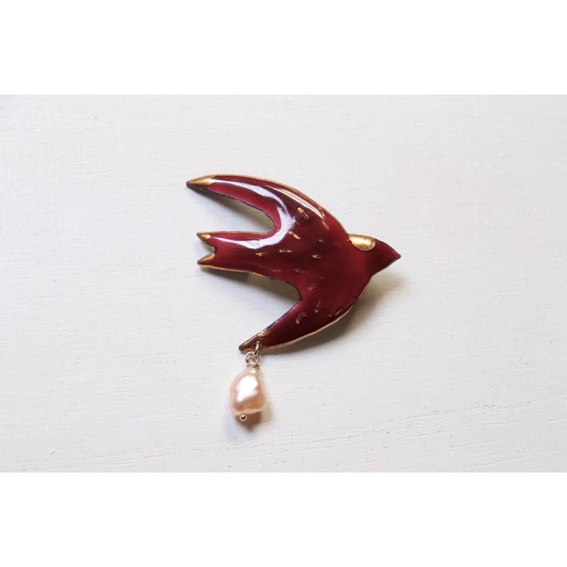 ツバメのブローチ (red)