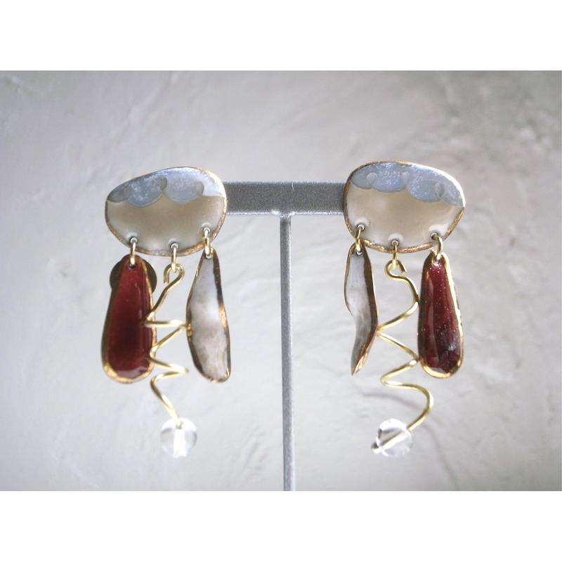 """FALL""【wing stone earrings ""beige""】[PEKI!RARIGON]"