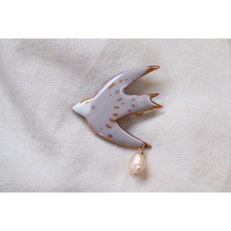 ツバメのブローチ (pink gray)