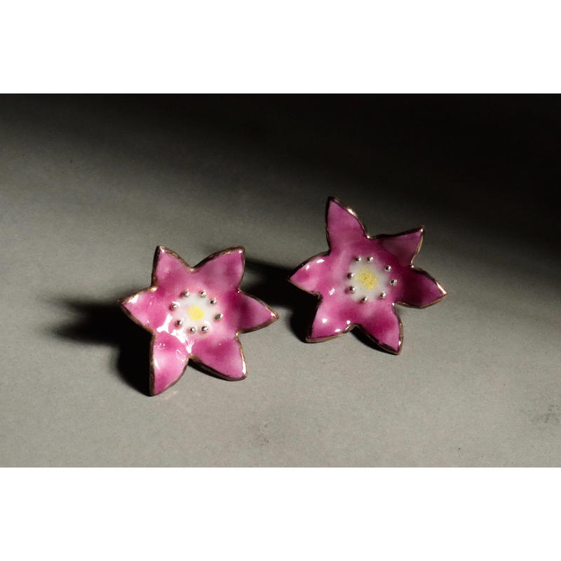 Flower earrings  (Gerbera pink)
