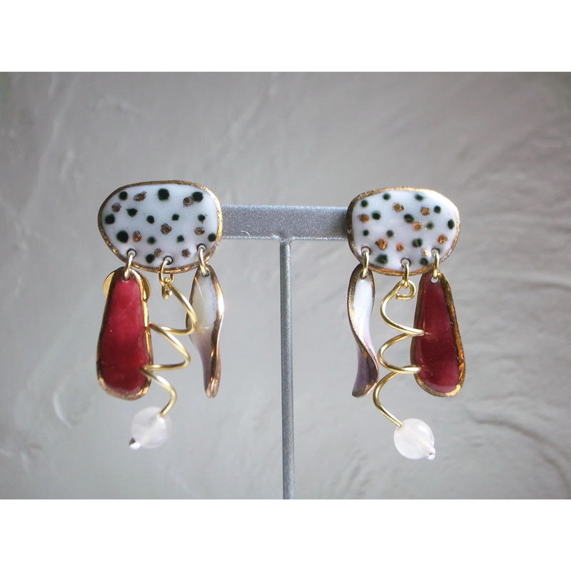 """FALL""【wing stone earrings ""dot""】[PEKI!RARIGON]"