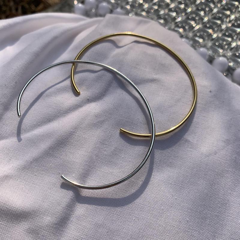 slim bangle bracelet