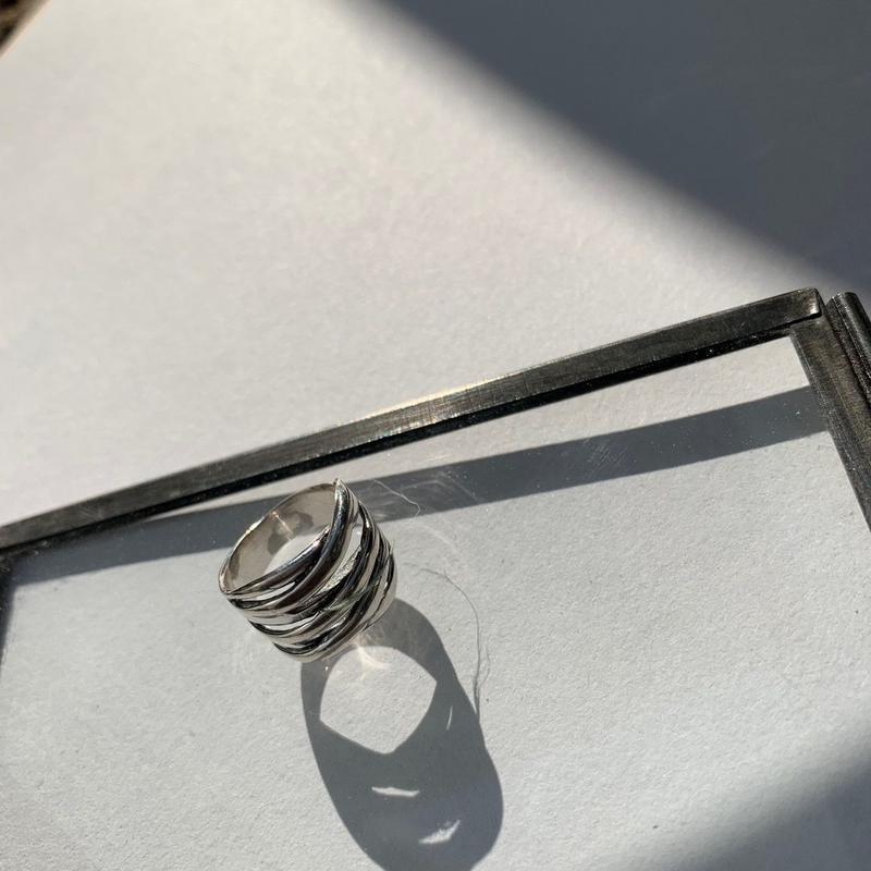 gg pinky ring