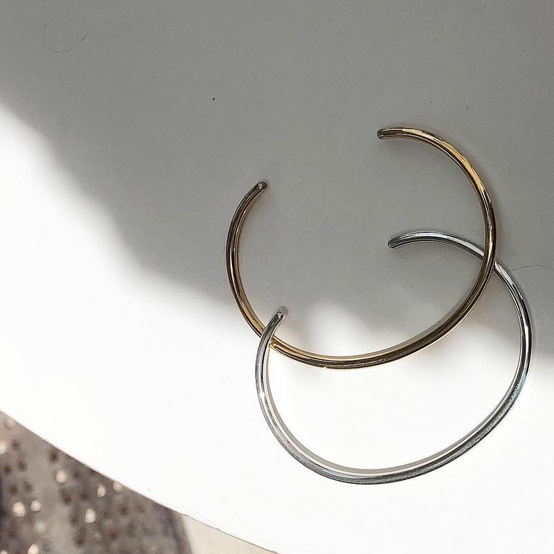 simple arm bracelet