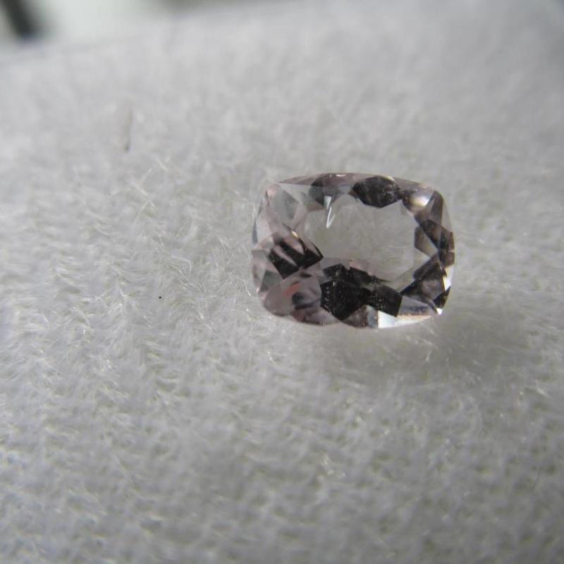希少石 天然パープルスカポライト0.65ct  タンザニア産出