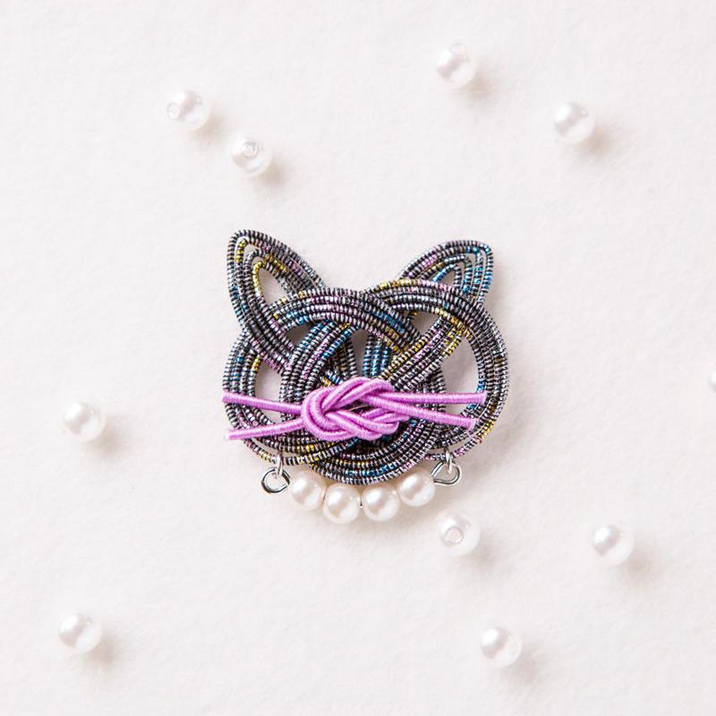 mizuhikigirl  猫結びのブローチ   kuro