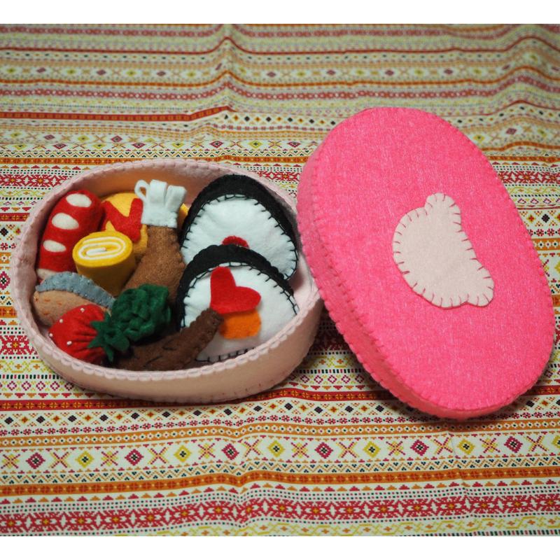 2.フェルトでおままごと   お弁当箱 (ピンク・くま)
