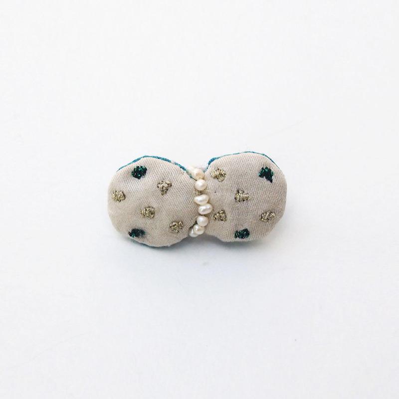 小さなキラキラ刺繍ブローチ005号(受注生産)【送料無料】