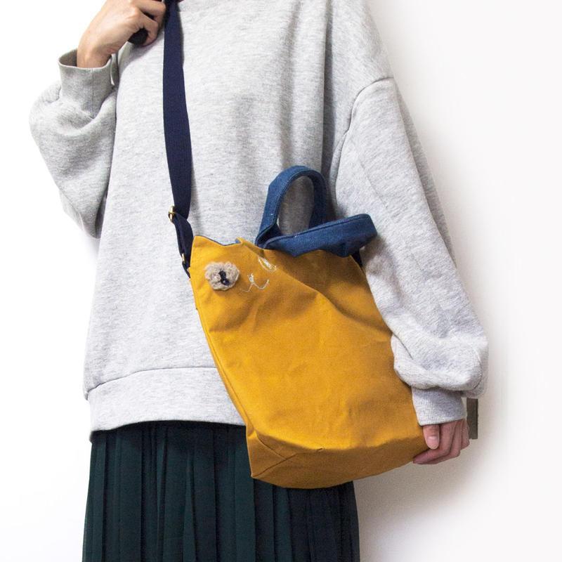 カジュアルな装いに☆帆布の猫ショルダーバッグ からし色(受注製作)