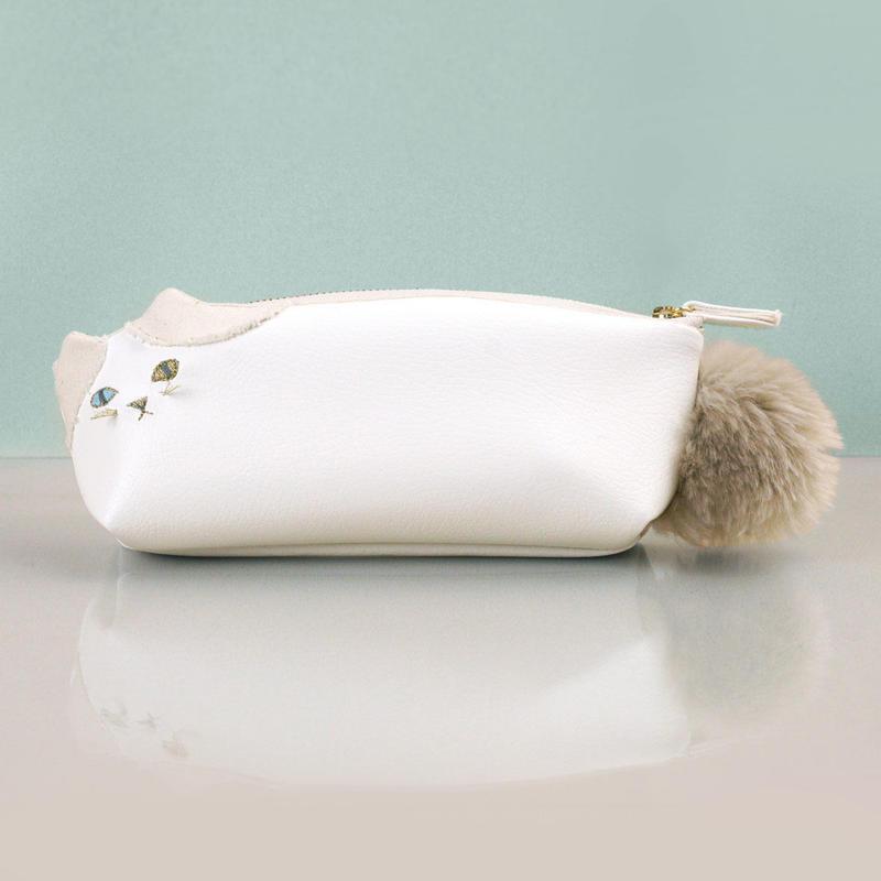 白いハチワレねこ型ペンケース(受注製作)