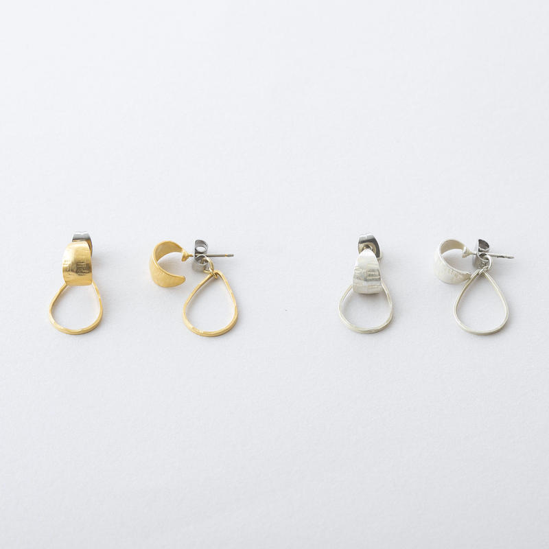 クレセントフープピアス /  Brass Hammered crescent hoop Pierce