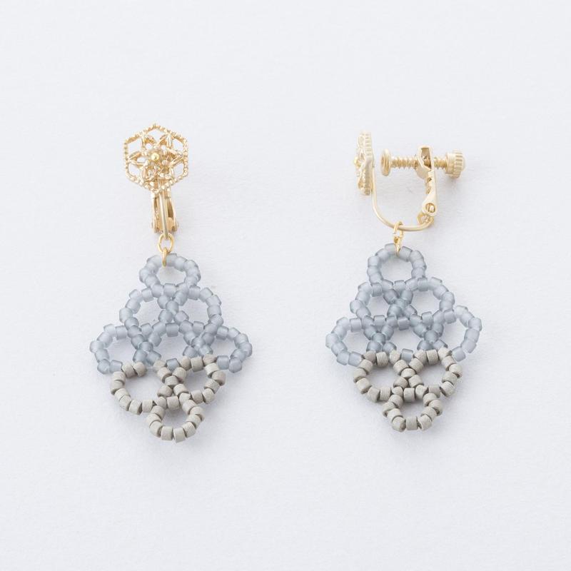 サークルダイヤビーズイヤリング /  Circle beads Diamond-shaped Earring