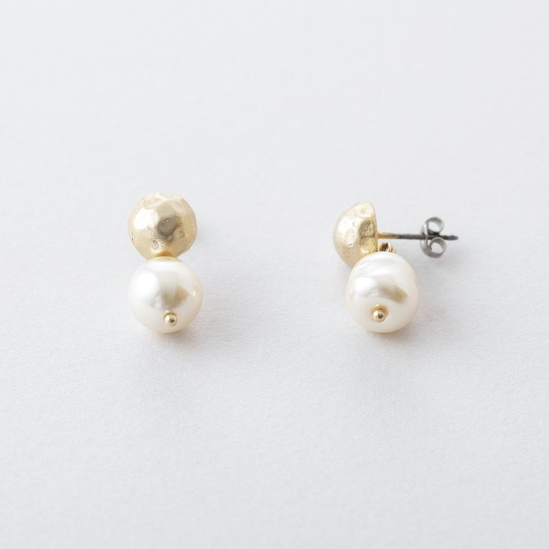 バロックパール×ツチメドームピアス  /  Baroque pearl × Brass Hammered Dome Pierce