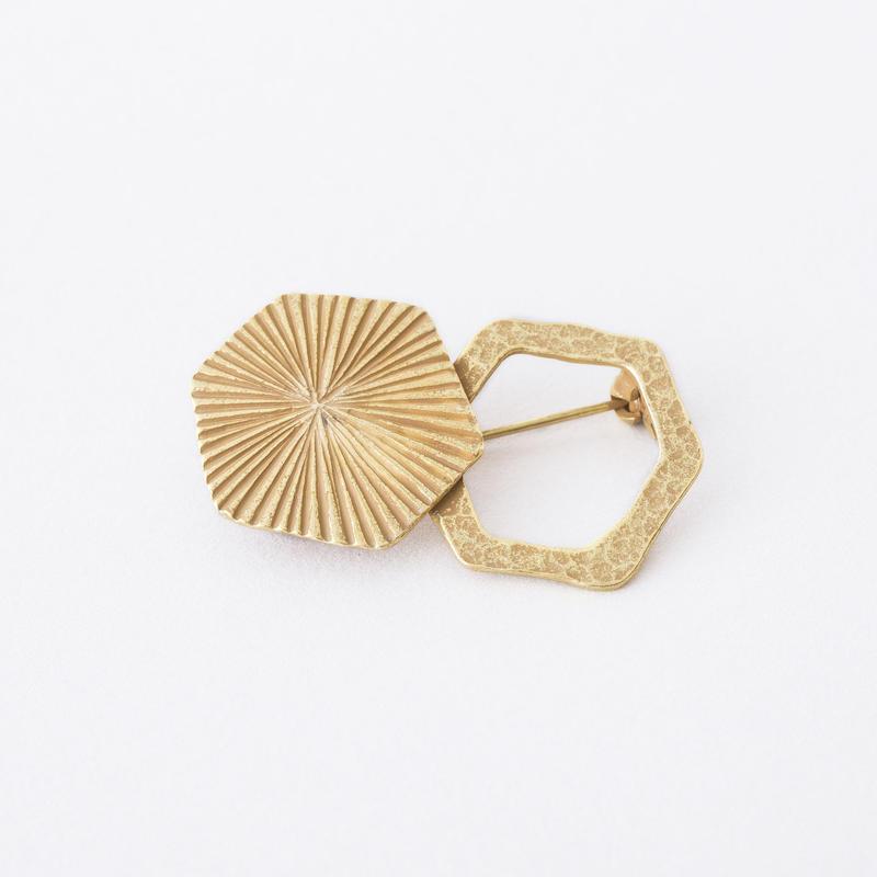 ヘキサライン&リングブローチ / Hexa line & ring Brooch