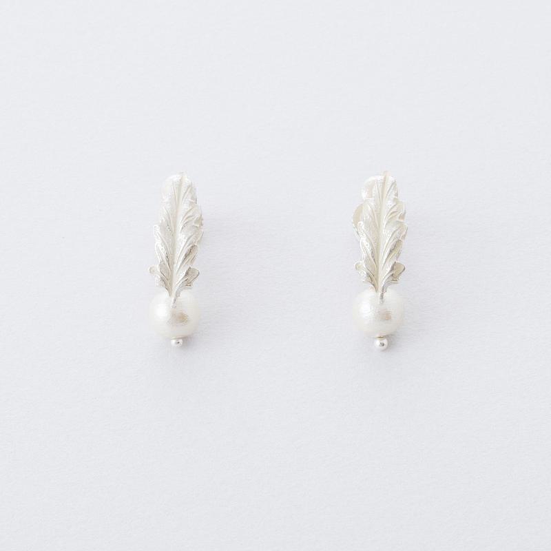 ボタニカルイヤリング(リーフ)/  Botanical Earring ( Leaf )