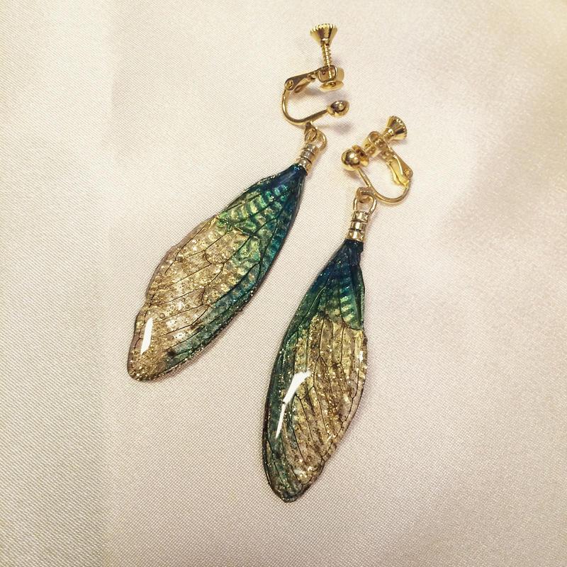 【蝉】Cicada Earring - Green Gold -