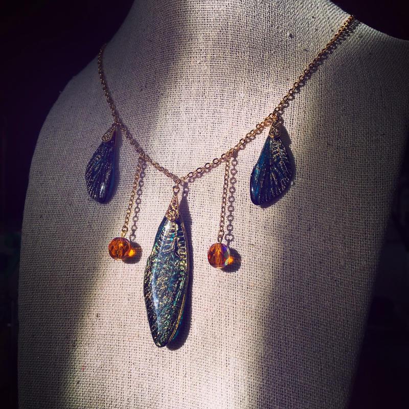 【蝉】Cicada Necklace - Blue Gold -
