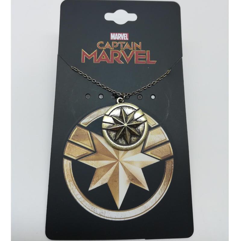 【USA直輸入】MARVEL キャプテンマーベル アイコン ロゴ ネックレス マーベル Captain Marvel アベンジャーズ キャプテン・マーベル  アベンジャーズ アクセサリー