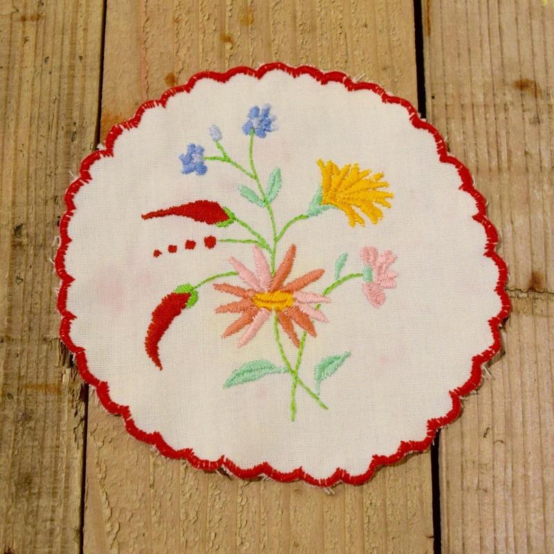 ハンガリー カロチャ刺繍 クロス 小花・とうがらし