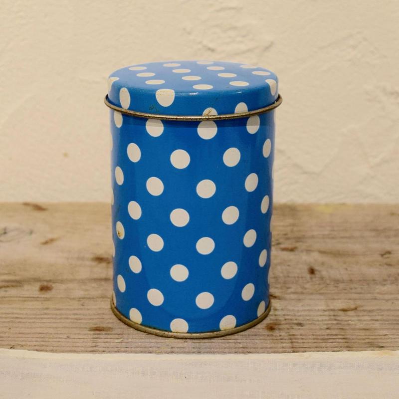 ハンガリー ポップな水玉の丸缶 直径6.4cm