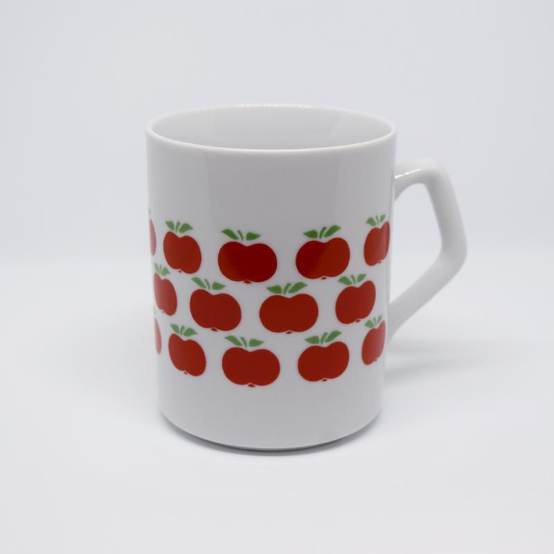 ハンガリー ジョルナイ りんごマグカップ
