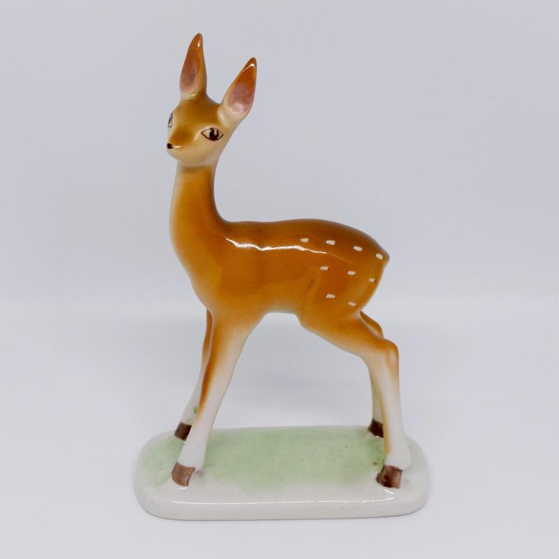 ハンガリー すらっと美人な鹿のフィギュリン ホッローハーザ社