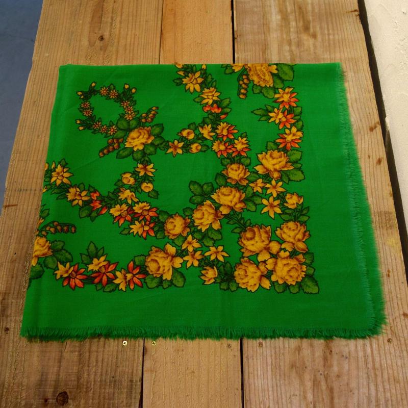 ソビエト プラトーク 緑 アンティークなお花