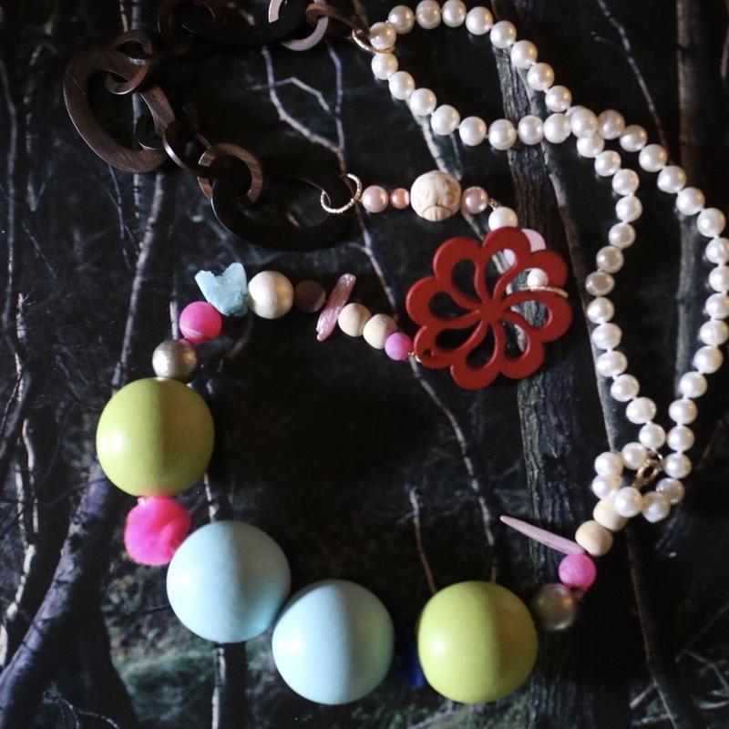 Pearl/big woods necklace